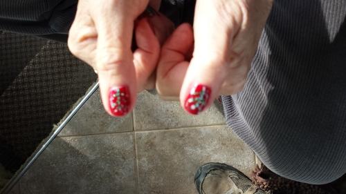Christmas tree thumbs